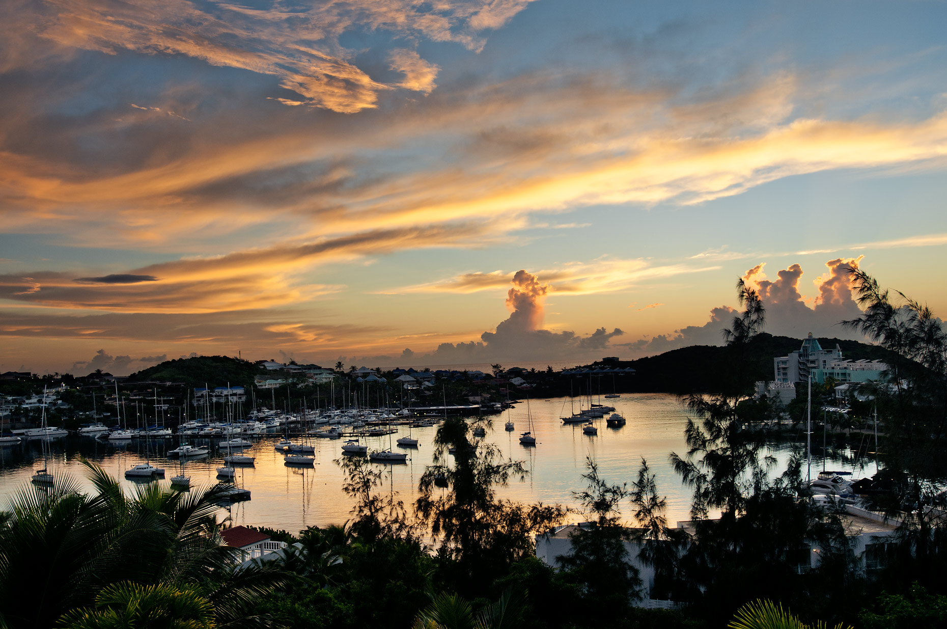 Places-Sint-Maarten-sunrise